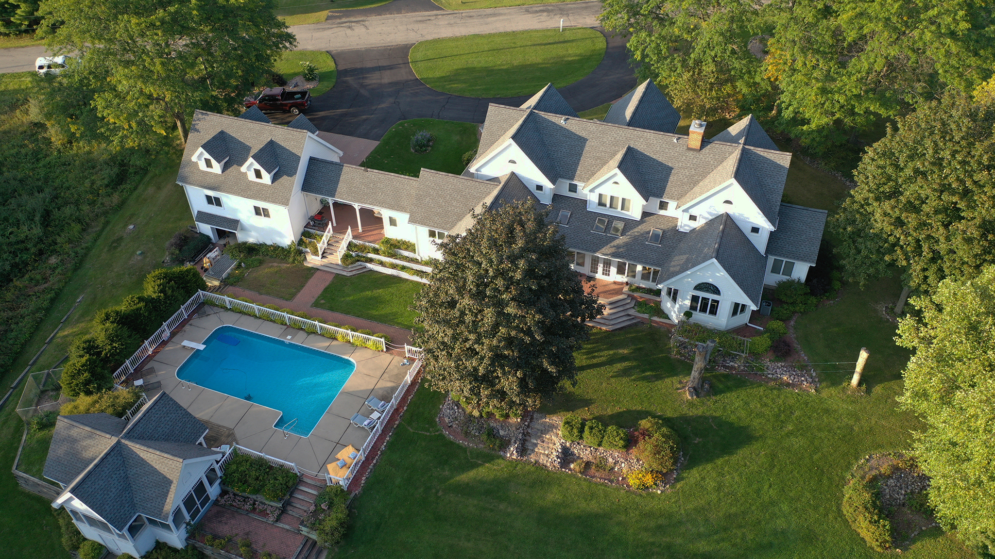 Drone photographer - House on Redstone Lake